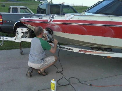 how to clean algae from fiberglass boat